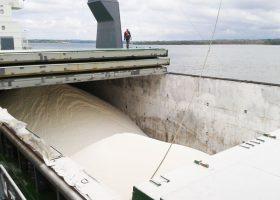 cargua-barco-azucar